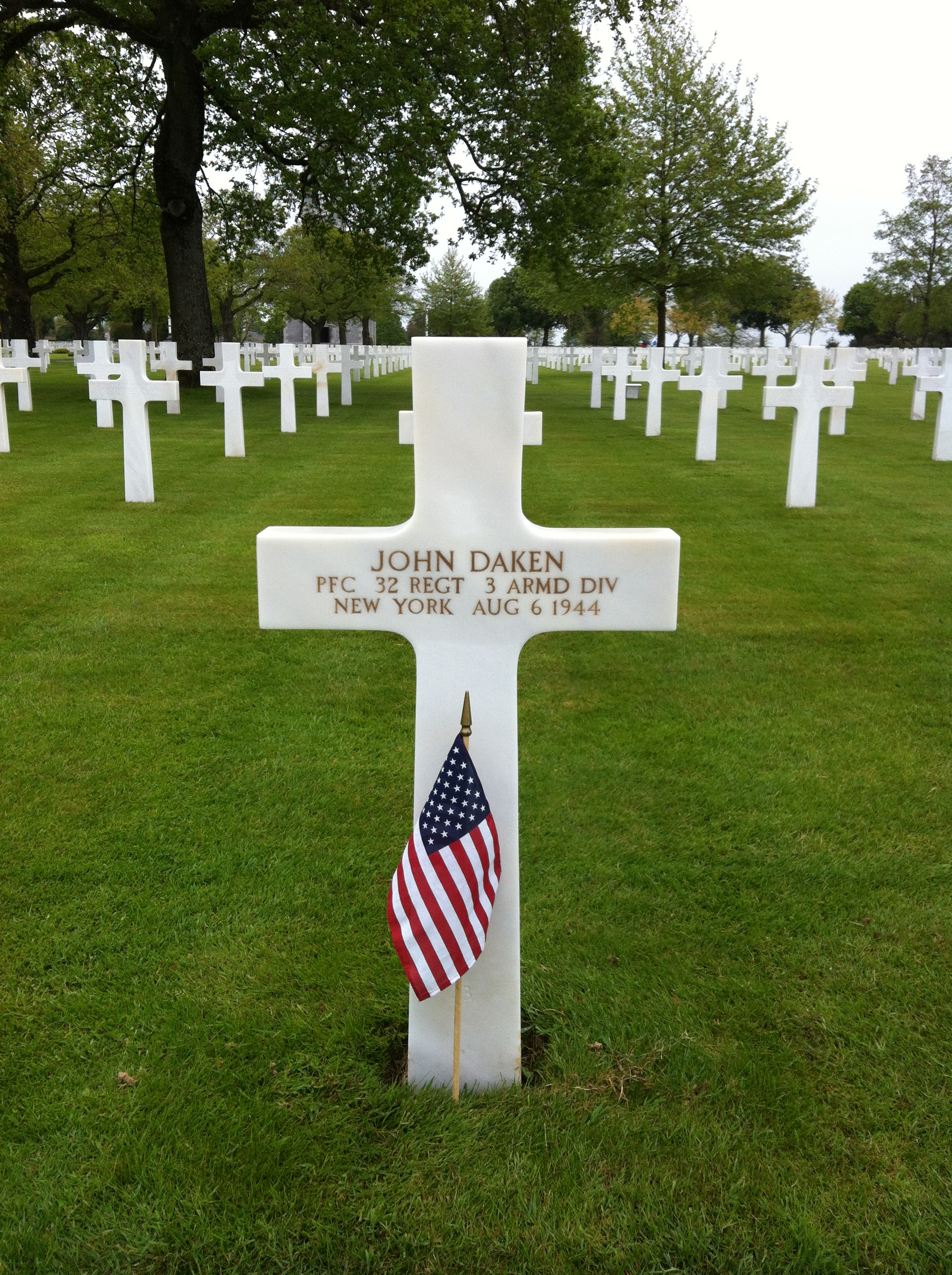 Remember John Dikun and other veterans on Memorial Day